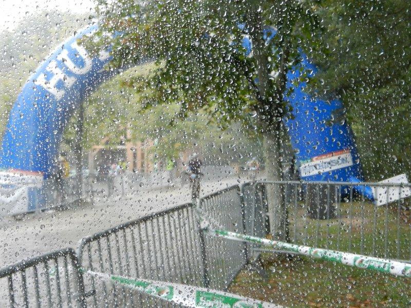 [CR humide...] La Gamelle Trophy 2011 sous le déluge ! 20110918_165106_dscn0726b